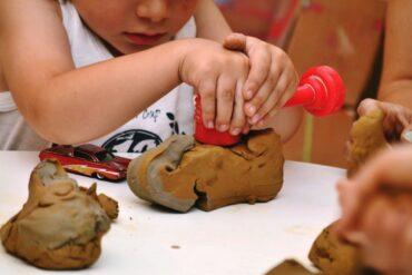 Παιχνίδια «καταστροφής» στην παιδική ηλικία   Πώς βοηθά το Messy Play